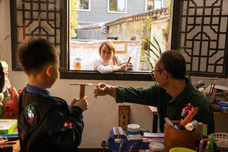 企鹅-广东省·深圳市·龙华区-微博-深圳过年,15号放假,坂田五和附近,业余摄影想拍照提升下,互免,以上