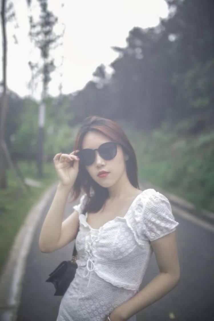 神仙姐姐-四川省·内江市·市中区-抖音,微博-内江市中区东兴区都可以,不含化妆服装,一般不收费,但是远了车费要你出,底片都是全送的