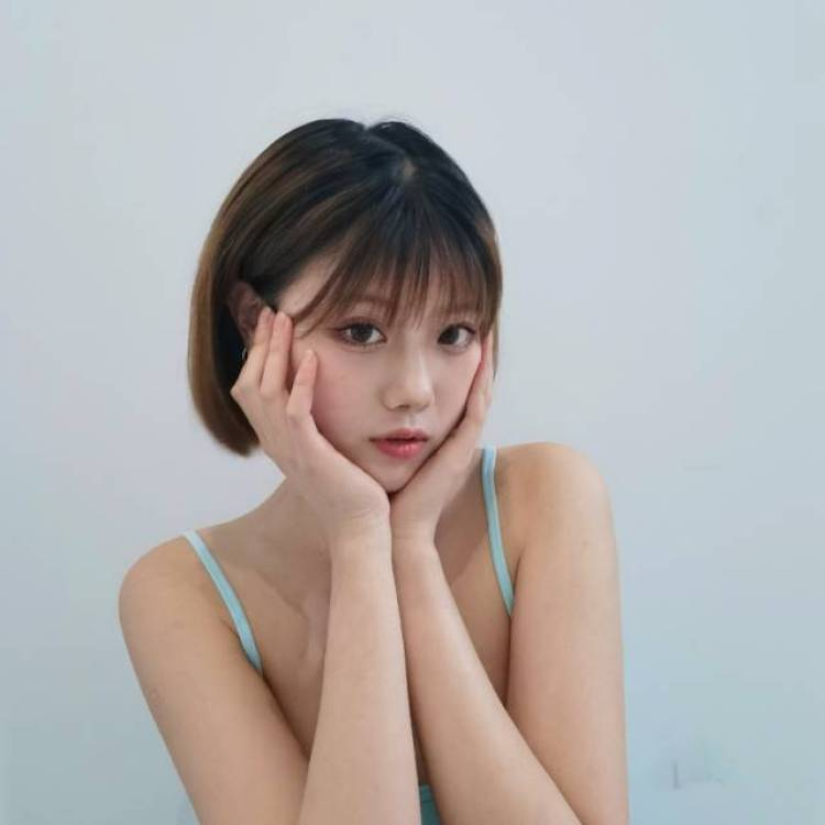 王亚兔🖤🎟-四川省·成都市·锦江区-微博-不接太暴露 其他风格都可 拍过日系 婚纱 想多尝试其他风格 互免约拍  创作都行 时间看双方方便