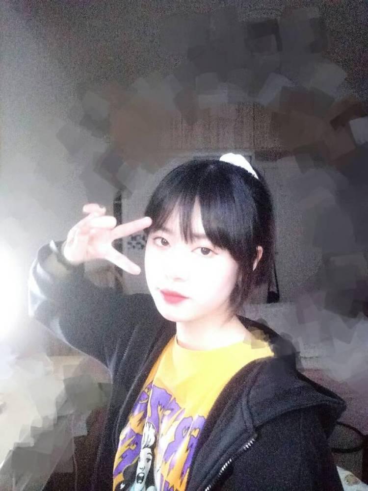 芝麻酱-湖北省·武汉市·硚口区-抖音微博头条小红书知乎-最近手头紧想做淘宝网拍模特,不用见面,寄拍,可以的话私聊我 价格绝对好商量