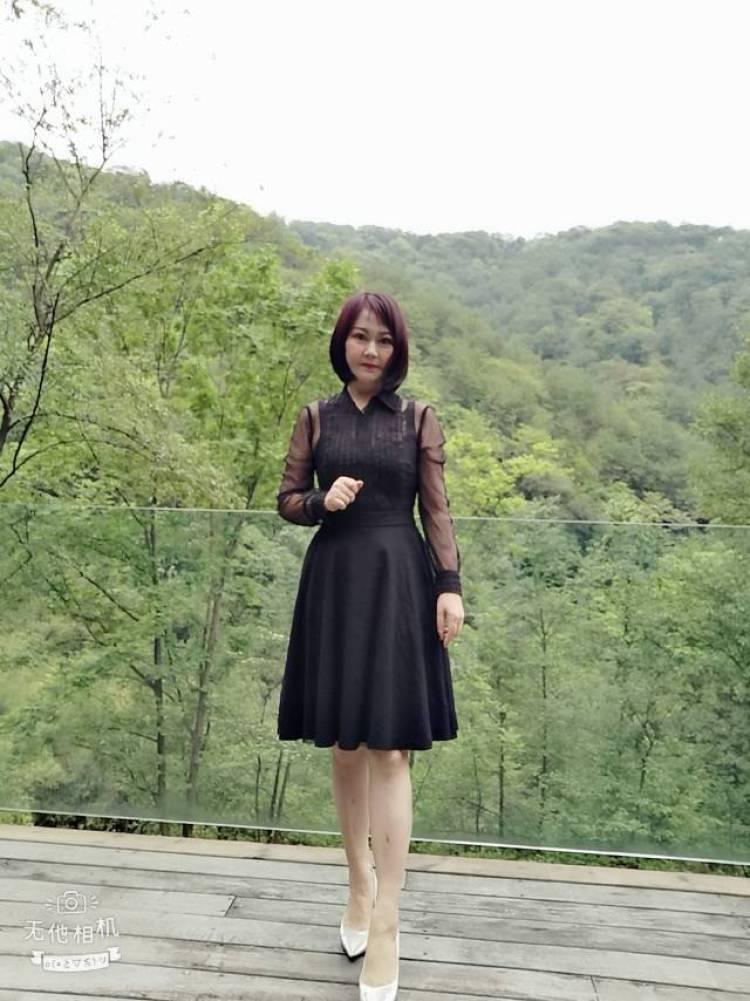 雨蒙-四川省·成都市·温江区-抖音短视频-我做服装生意的,为了把线上做起来,需要找个固定摄影师,每月拍二次,最好能写文案编故事,拍抖音短视频