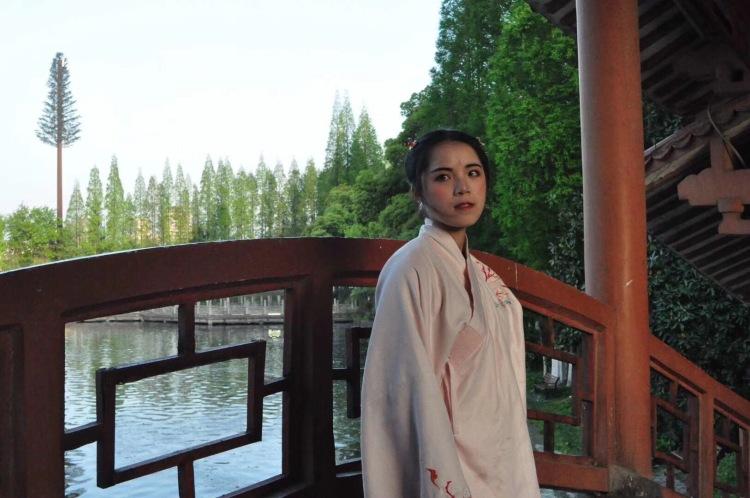茶茶-湖北省·荆州市·洪湖市-抖音-近两年的摄影作品 其中也有买家秀,婚拍,写真,日系 ,古风。本人很喜欢拍照,也喜欢修图