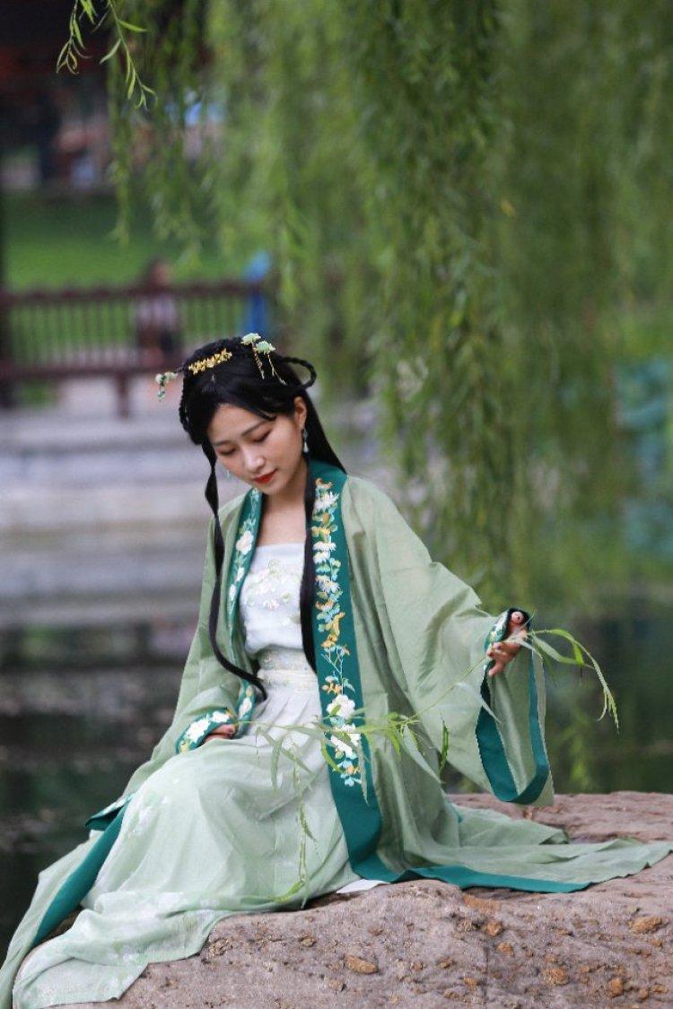 行板如歌-北京市·北京市·西城区--正常题材拍摄均可,时间上双方协商,希望互免,合得来的可以长期合作