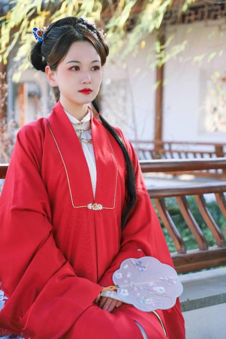 成了仙的猪仙贝-北京市·北京市·东城区--微博认证摄影师,锐景创意签约摄影师 有自己工作室,高质量模特可合作,不定时会有通告