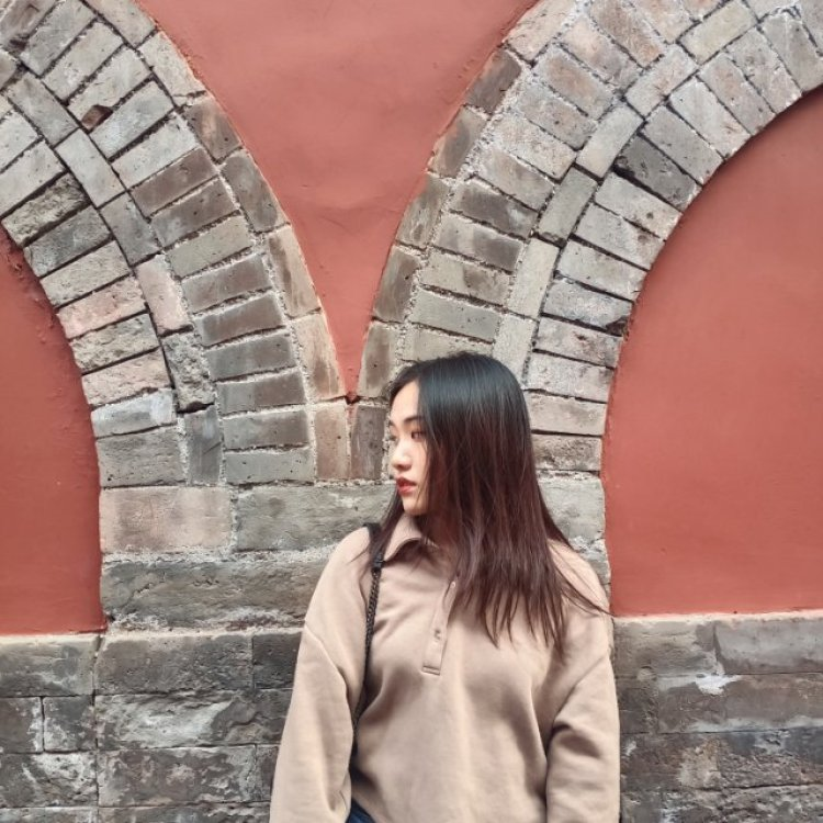 叶大行星-北京市·北京市·昌平区-B站-可接口红,服装(不过分暴露),美瞳,包包,饰品等 不接受无样品的唇模约拍