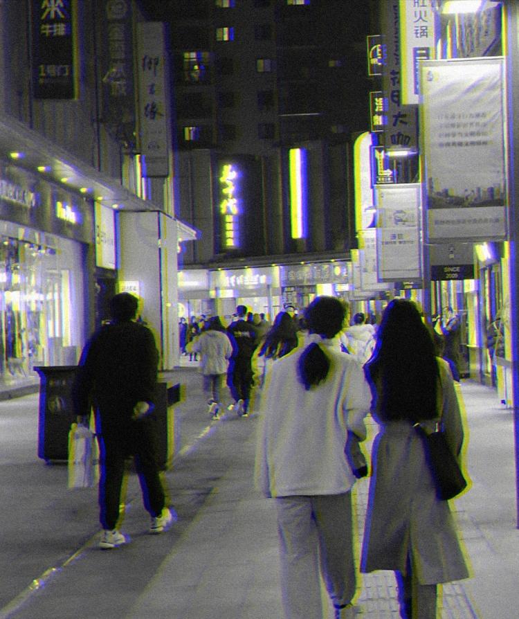 ROKE.-河南省·郑州市·中原区--新手 汉服 jk 韩系街拍 风格都可以尝试 希望能遇到投缘的摄影师一起拍摄 互相学习