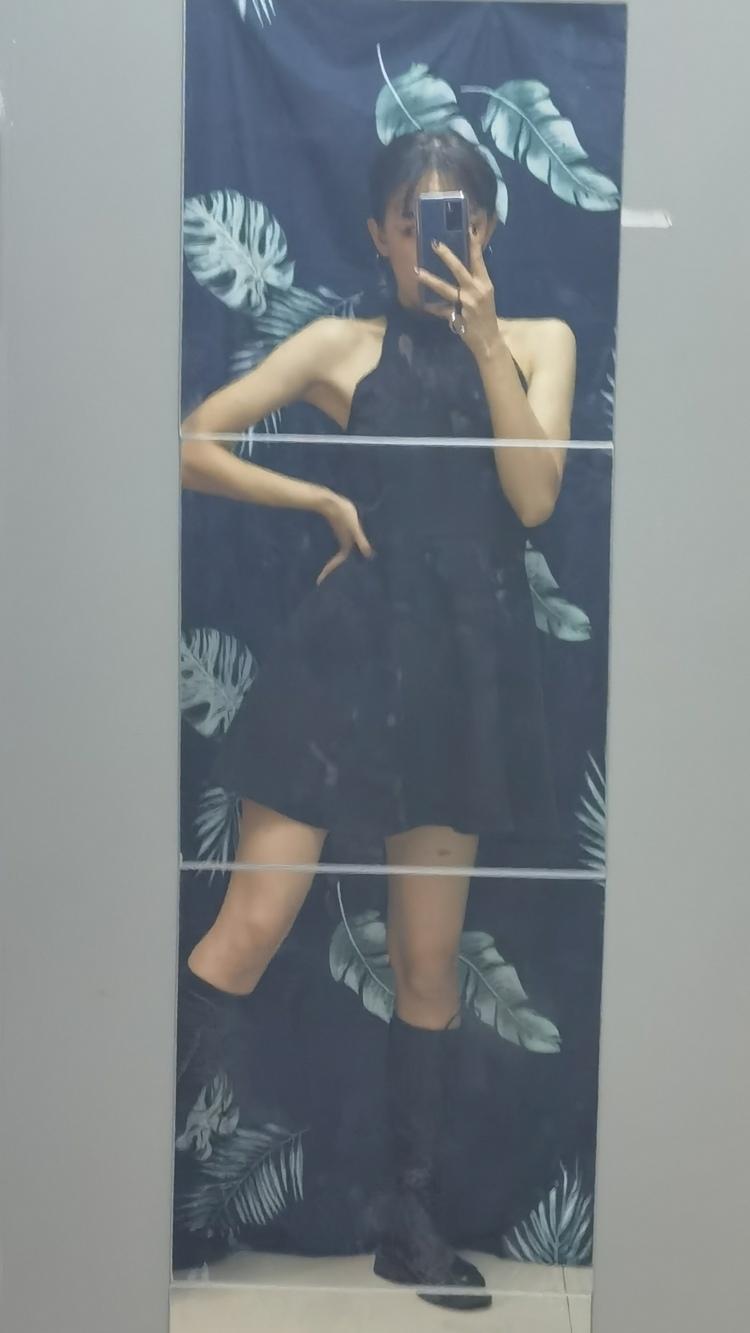十一-广东省·佛山市·南海区--拍摄地点:佛山南海附近(假期在揭阳) 风格都可以尝试 不接过于暴露只接正常服装或者风格拍摄 身高167 体重90 腰围57 汉服 JK 欧美风 情绪 民国 清新 可爱 校园 旗袍都基本拍过