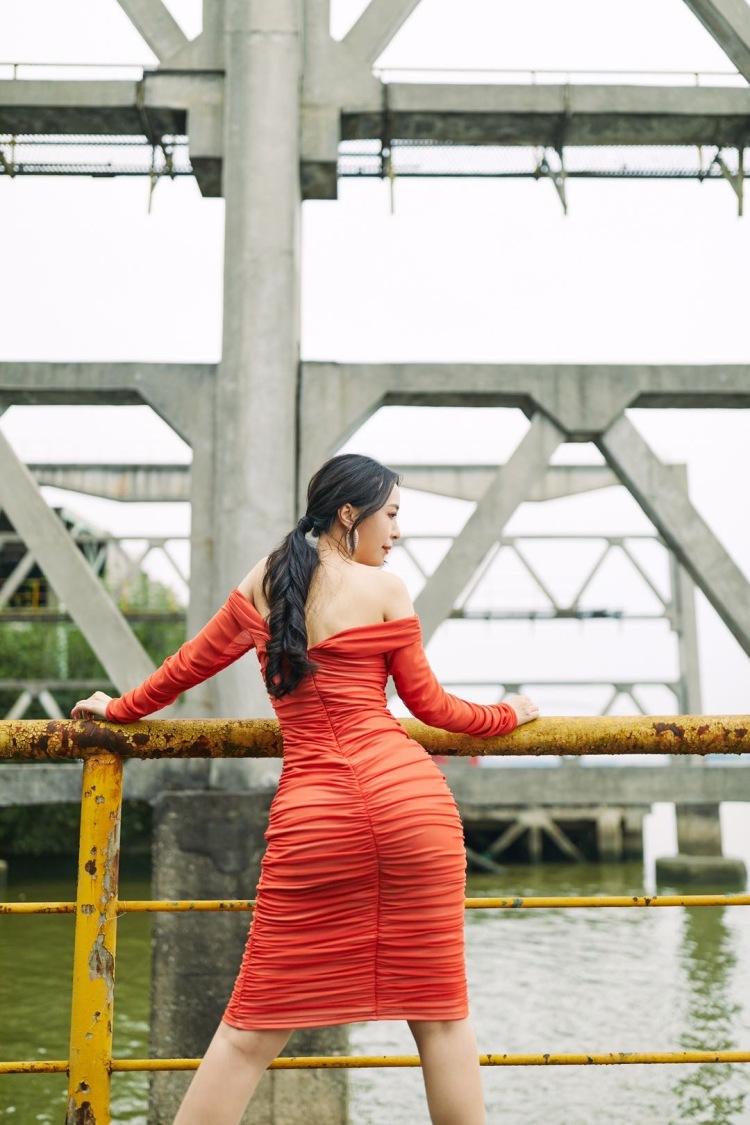 min min    -广东省·广州市·天河区-小红书-广州写真模特,有丰富拍摄经验,妆化造型自理,寻摄影师进行创作