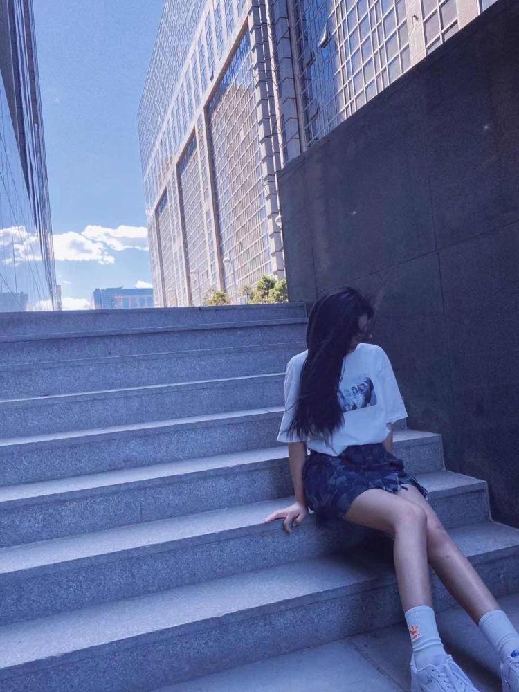 奔赴-北京市·北京市·朝阳区--周末节假日有时间 身高 166 体重 52kg 空乘专业之前学过影视表演 不接受大尺度 可接寄拍网拍 拍摄风格可以跟摄影师一起协商 共同进步 圆脸圆脸圆脸