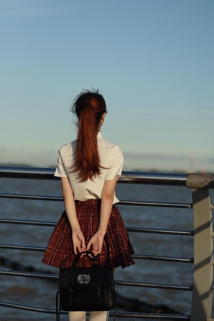 弦语霜问-广东省·东莞市·虎门镇-头条号、抖音、知乎-互免约拍各种cosplay,JK,汉服,也可以收费接各种商拍。
