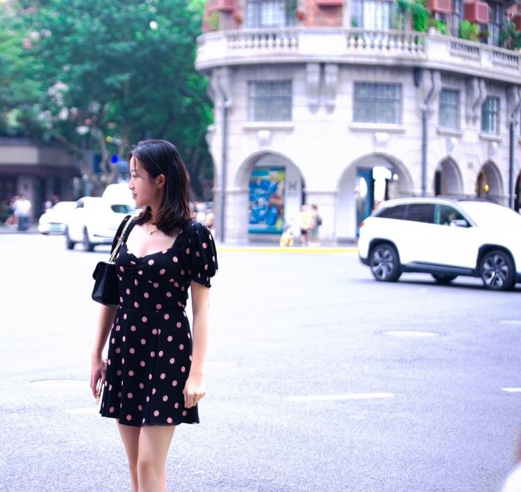 凯-北京市·北京市·石景山区--希望互勉 互勉 互勉-周末有小姐姐一起去奥森拍向日葵的吗  上图拍摄于-上海武康路